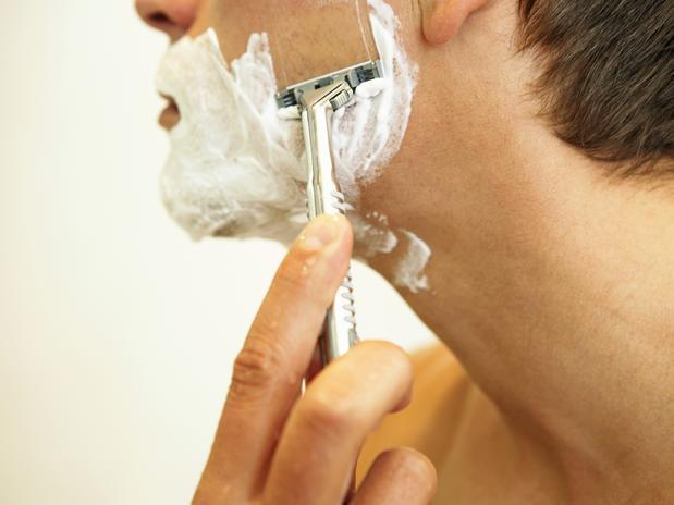 Fazer a barba todo dia.