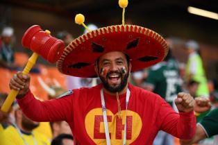 torcedor-mexicano-fantasiado-de-chapolin-para-jogo-contra-suecia-1530106829573_v2_1920x1279