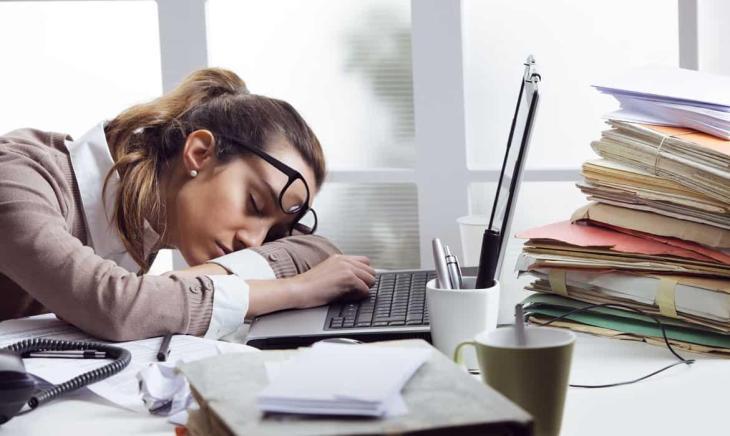 excesso-trabalho-sobrecarga-dicas_1170x700